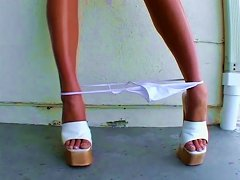Outrageously Beautiful Brunette Dillan Lauren Gives Amazing Blowjob