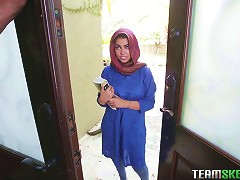 Arab Teen Gives A Dazzling Blowjob In The Kitchen And Gets Fucked Silly