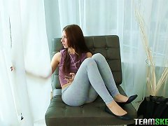 Fucking A Slender Natural Teen Babe And Cumming On Her Sweet Pussy