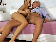 Blonde Teen Babe Gets Facialized